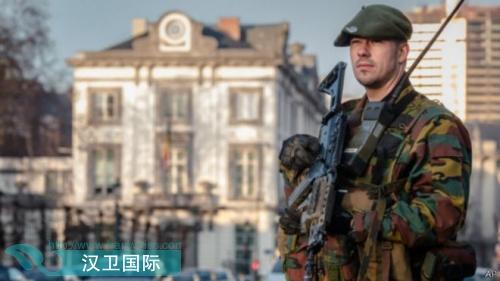 比利时在街头部署军队进行安保预防恐怖袭击(图)